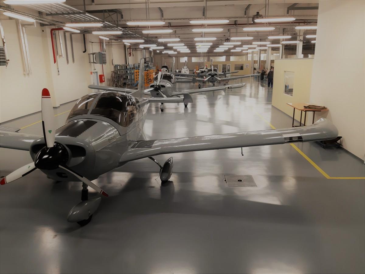 Livraison de 5 nouveaux aéronefs Z 242 GURU