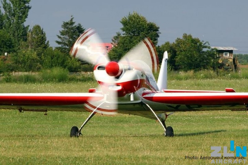 Generální oprava legendárních akrobatů Z 50 LS pro rumunský aeroklub ve ZLIN AIRCRAFT a.s.